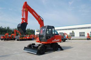 Wheel Excavator (HTL70A) pictures & photos