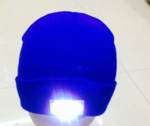 Wholesale Blank Winter Unisex Acrylic Knitted LED Flashing Beanie Hat pictures & photos