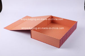 Wholesale Custom Paper Packaging Luxury Folding Gift Box pictures & photos