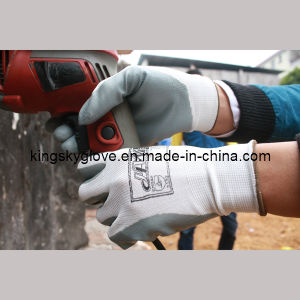 Polyester Shell Nitrile Coated Palm Nitrile Glove Chemical Glove pictures & photos