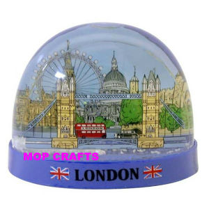 Plastic Snow Globe, Plastic Snow Ball pictures & photos
