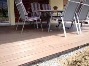 Classic Solid Wood Plastic Composite pictures & photos