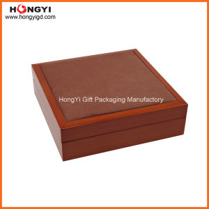 High Quality PU Leather Lacquered Wooden Box Jewelry Box (HYW307) pictures & photos