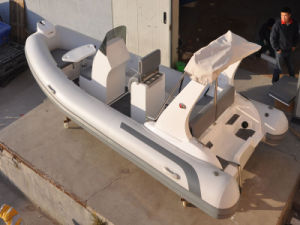 Liya New Design China Fiberglass Boat 5.2m Hypalon Rigid Inflatable Boat (HYP520D) pictures & photos