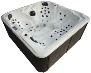 Free Standing USA Acrylic Whirlpool Hydro Massage Bathtub pictures & photos