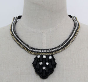Ladies High Quality Fashion Crystal Collar Necklace (JE0177) pictures & photos