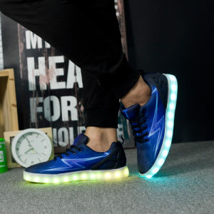 Flashing Lights Shoes; LED Light Shoes; Flashing LED Shoes with USB Charger pictures & photos