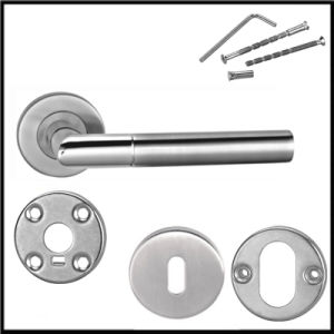2017 Best Selling Hardware Stainless Steel Door Handle with Line pictures & photos