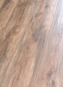 V-Groove Kn8104 Laminate Flooring pictures & photos