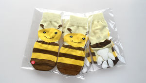 Cartoon Honey Bee Anti Skid Warm Knitting Pet Socks pictures & photos