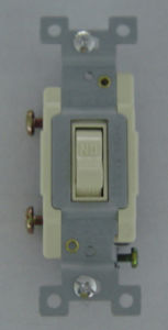 20A 120/277V Commercial Grade, Single Pole Toggle Switch pictures & photos