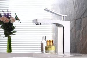 Contemporary Basin Mixer with Chrome Finish pictures & photos
