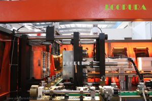 Ce Approved Plastic Bottle Blow Molding Machine / Bottle Blowing Machine pictures & photos