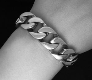 Fashion Accessories Men Cuban Bracelets Stainless Jewelry Non-Fading pictures & photos