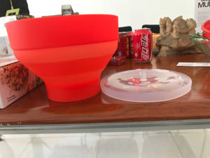 Food Grade Platinum Silicone Material Folding Microwave-Safe Popcorn Container Bowl pictures & photos