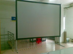 Easy Fold Projection Screen / Fast Fold Projector Screen pictures & photos