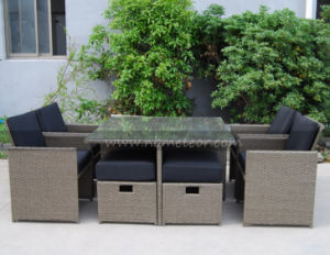 Mtc-017-4 Outdoor Rattan Dining Set Furniture with Footstool pictures & photos