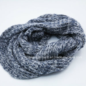 100% Acrylic Grey Knitted Neck Scarf pictures & photos