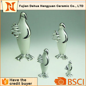 Plating Ceramic Penguin Craft for Home Decoration pictures & photos