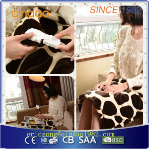 Comfortable and Convenient Electric Heating Pad pictures & photos