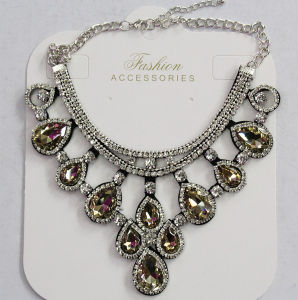 Lady Fashion Jewelry Red Waterdrop Glass Crystal Pendant Necklace (JE0211) pictures & photos