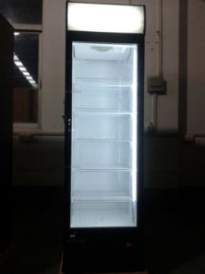 Single Door Upright Display Cooler for Supermarket pictures & photos