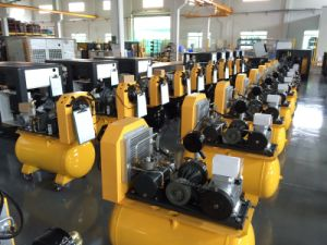 Energy Saving Screw Air Compressor (10HP~350HP) pictures & photos