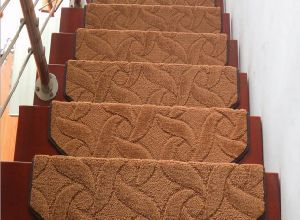 Hook & Loop Buckle Pile Indoors Stair Carpet/ Rugs pictures & photos