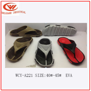 Fashion Design Male EVA Slippers pictures & photos