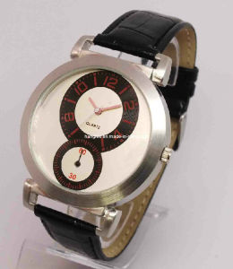 Charm Fashion Wrist Watch for Men (HAL-1238) pictures & photos
