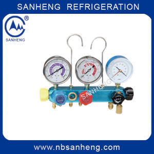 5-Way Digital Manifold Gauge with High Quality (Sh-M70336) pictures & photos