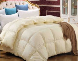 Winter Warm Quilt Solid Colour Comforter pictures & photos