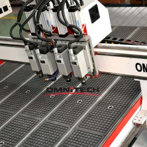 Pneumatic Tool Change CNC Router with 2/3/4 Spindles/Cutters pictures & photos