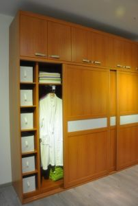 Wardrobe with Dressing Table pictures & photos