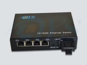 10/100m Ethernet Fiber Optic Media Converter pictures & photos