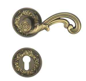 High Quality Solid Brass Door Handle on Rose - 801 pictures & photos