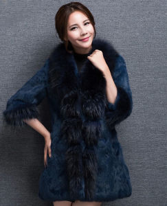 Women′s Three Quarter Sleeve Rabbit Fur Coat with Long Raccoon Fur Collar pictures & photos