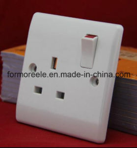 British Wall Switch with Socket/European Wall Switch pictures & photos