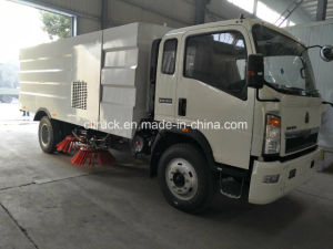 Factory Diesel Type 4X2 Road Sweeping Truck pictures & photos