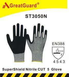 Greatguard Supershield Nitrile Cut Resistant 5 Glove pictures & photos