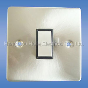 1 Gang 2 Way Light Switch( Square Edge Range) pictures & photos