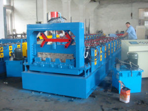 Metal Deck Roll Forming Machine pictures & photos