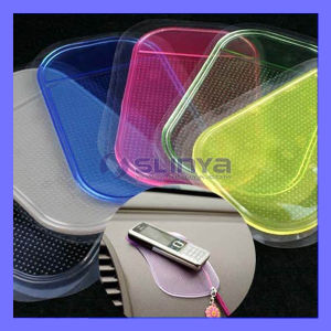 Silicone Automobile Dashboard Soft Paste Mobile GPS Anti Slip Pad Sticky Car Mat pictures & photos