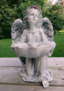 Garden Angel Birdbath 14 in. Home Decor Resin Yard pictures & photos