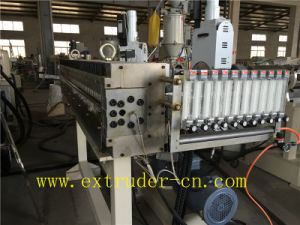 Flexible Connection Extruder PC/PP/PE Hollow Sheet/ Wood Plastic Sheet Extrusion Line pictures & photos