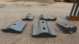 Alloy Chute Lining Plate Crusher Liner pictures & photos