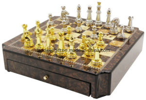 Luxury High Gloss Wooden Chess Set (large size) pictures & photos