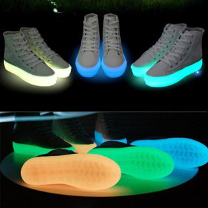 New Fashion Lighted Platform Sneakers for Women Comfortable Ladies Casual LED Lights Platform Shoes LED pictures & photos