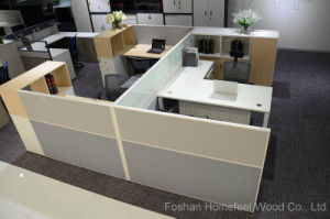 Modern 3 Seats Office Partition Cubicle Workstation (HF-SI0365) pictures & photos