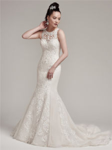 2017 Elegant Lace Wedding Dresses Bridal Buttoncks Dress with Beading